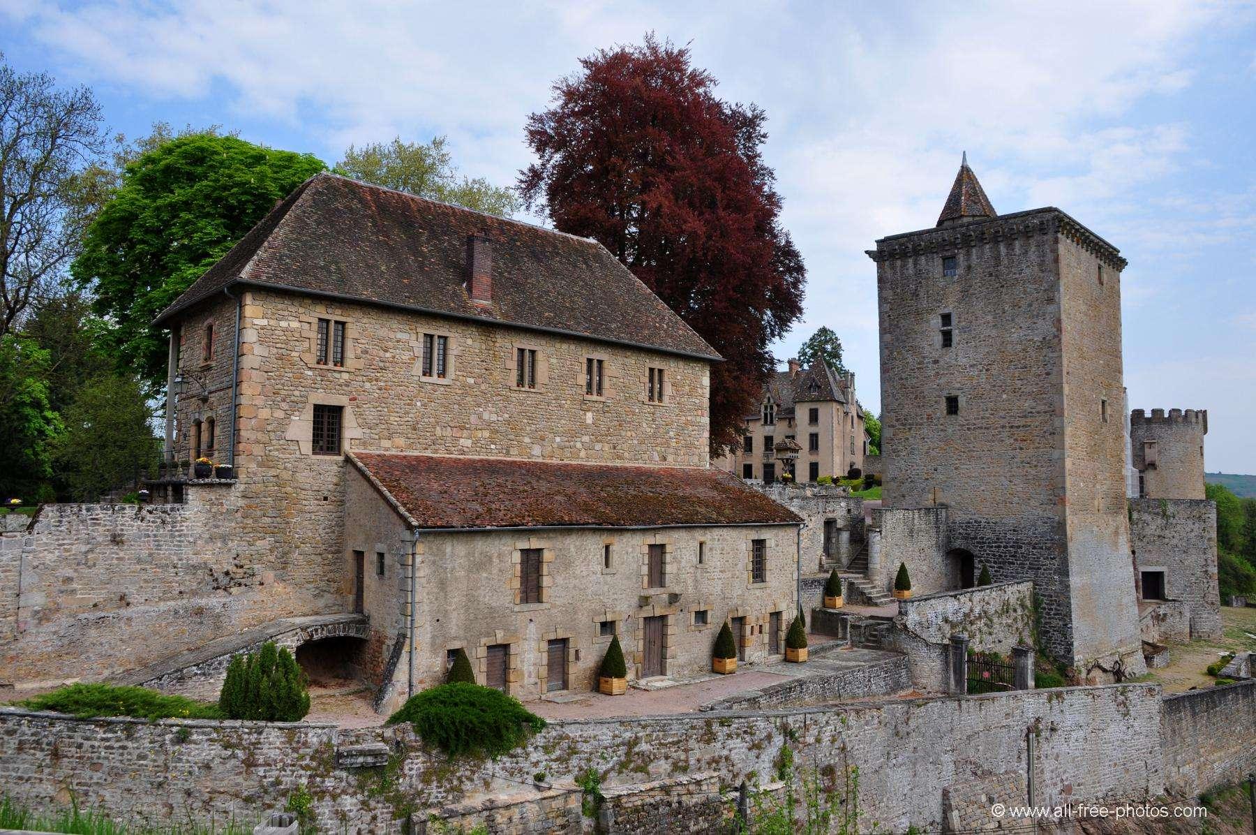 un chateau éligible loi malraux bougogne franche comté