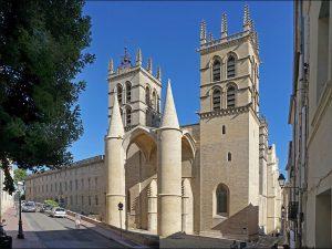 Basilique proche de bâtiments en loi Malraux Montpellier