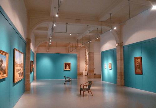 Un musée près des immeubles loi malraux troyes