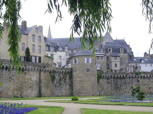 Chateau éligible à la loi malraux vannes