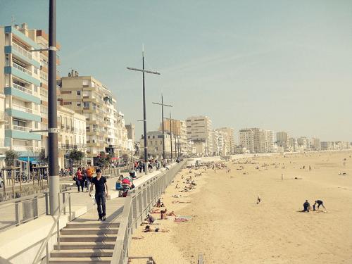 Plage près des immeubles loi malraux les sables d'olonne