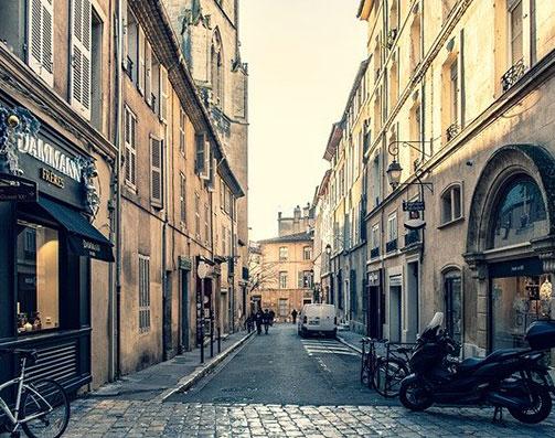 Rue d'Aix-en-Provence, au coeur du quartier éligible loi Malraux