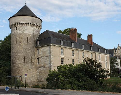 Chateau de Tours, au centre du quartier eligible à la loi Malraux / Monument Historique