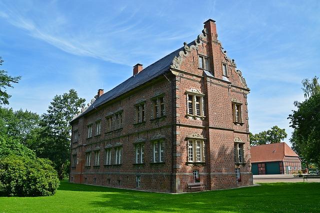 un chateau loi monument historique