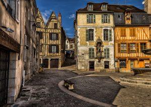 Des batiments éligibles à la loi Monument Historique à Auxerre